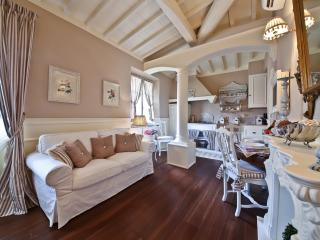 Magnificent Vacation Suite in Florence - Florence vacation rentals