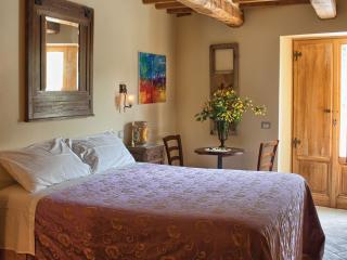 4 Bedroom Tuscan Farmhouse at Agriturismo il Capannino - Pieve Santo Stefano vacation rentals