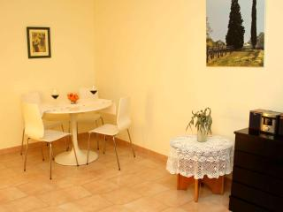 Appartment for 4 in Linyola (Lleida) with Air Co - Vilanova de la Sal vacation rentals