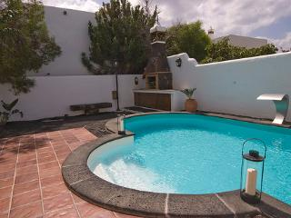 Holiday cottage in Tías (LZ5400) - Yaiza vacation rentals