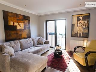 Stylish, modern 2 bed based near Borough Market, London Bridge - London vacation rentals