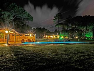 Villa com jardim de luxo - Sintra Municipality vacation rentals