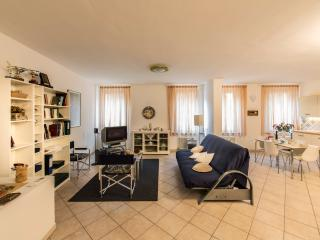 THE BYZANTINE - Central, cozy, top quality rental - Ravenna vacation rentals