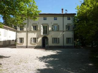 L'ORLANDINA - Prestigious Country Mansion, Own Park - Emilia-Romagna vacation rentals