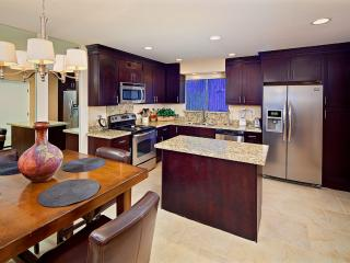 Near Fashion Square! Best Location, Great Amenites - Scottsdale vacation rentals