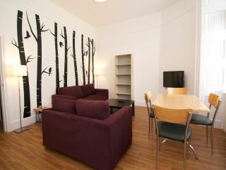 2 Bedroom London Vacation Apartment in Bloomsbury - London vacation rentals