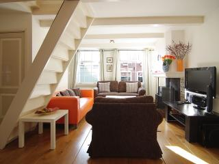 Authentic Jordaan House, 400-year old charm! - Amsterdam vacation rentals