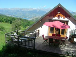 Amazing 2 Bedroom Chalet with Views of the Southern Alps and the Lac de Serre-Pon - Selonnet vacation rentals