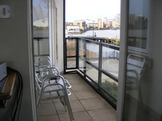 River Thames Spacious Apartment in London - London vacation rentals