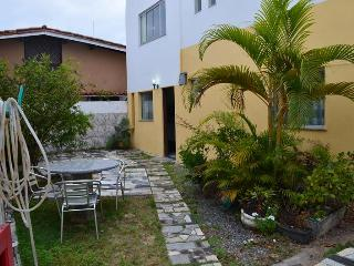 Stella Mares. Cozy 42m2 flat at closed condominium - Salvador vacation rentals
