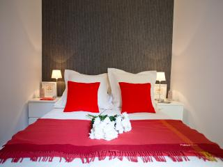 BEST rate LUXURY Goya SUITE in SOL - Madrid Area vacation rentals