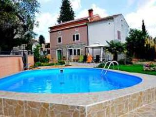 Traditional Istrian Stone Villa With Private Pool - Manjadvorci vacation rentals