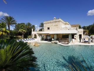 Massera Quadrelli villa eslusiva con piscina - Giuggianello vacation rentals