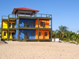 IMPERIUS REX - WHALESHARK SUITE - Placencia vacation rentals