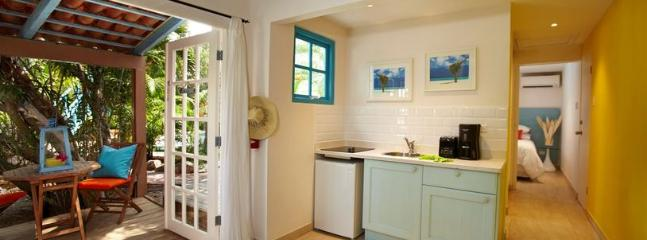 Tropical and Secluded Studio Casita - Image 1 - Noord - rentals