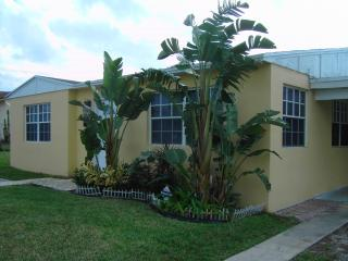 West Palm Beach Area Bongalow - Houston vacation rentals