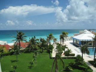 Ocean View Studio On The Beach C406 - Cancun vacation rentals