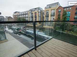 On Regent's Canal 3 bed 2 bath, Shoreditch - London vacation rentals