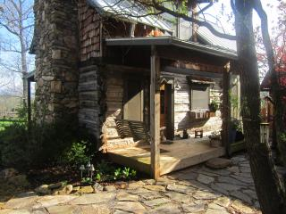 Cozy backyard oak log cabin, great sunsets. - Weaverville vacation rentals