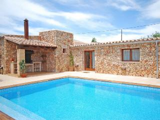 Charming 2apartment townhouse with a swimming pool - Campos vacation rentals