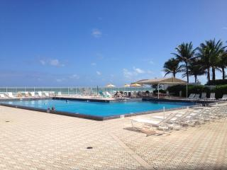 Waterfront 2 Bedroom 2 Bathroom Condo with Magnificent Ocean View! - Sunny Isles vacation rentals