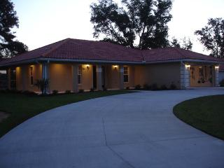 WONDERFUL 4 BED / 3 BATH VACATION VILLA - Inverness vacation rentals