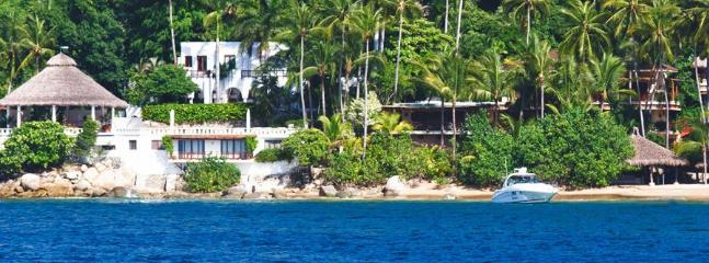 ACA - ALE5 - Flagship, beachfront villa with dock for yacht - Image 1 - Acapulco - rentals