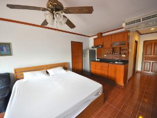 CR100Pattaya - Jomtien Beach condo - Chonburi Province vacation rentals