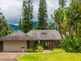 Hale Kamalani: Spacious 3br + loft, mountain and golf course views, BARGAIN! - Princeville vacation rentals