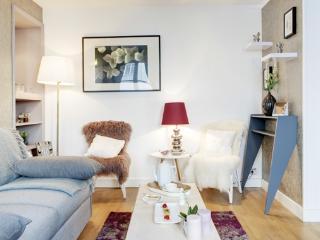 Apartment Babylone 2 Paris apartment in 7th arrondissement, one bedroom apartment Paris, short term rental Paris,  Paris Flat to Let - 7th Arrondissement Palais-Bourbon vacation rentals