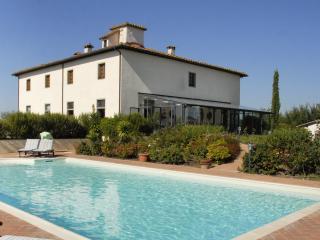 Villa Valdichiana Villa in Tuscany, Arezzo villa, holiday in Italian villa, - Castiglion Fiorentino vacation rentals