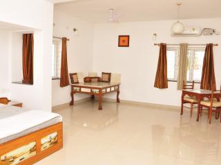 Mel Ville - Serviced Apartment - Penthouse Suite - Pondicherry vacation rentals