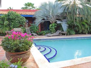 La Maison Aruba - Studio #3 Studio with pool 800 yd to beach Marriott *Flash Sale* - Palm/Eagle Beach vacation rentals
