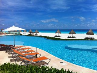2-bedroom - Best location Hotel zone - Cancun vacation rentals