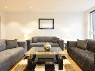 The Spitalfields 3 Bedroom 2 Bathroom Apartment - London vacation rentals