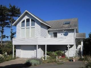 BERRY NICE BEACH HOUSE - Seal Rock - Seal Rock vacation rentals
