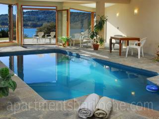 LUXURY 4 BED/ 3.5 BATH (H7) ON THE LAKE WITH POOL! - Patagonia vacation rentals