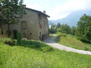 House in a quiet hamlet in the heart of Veneto - Mori vacation rentals