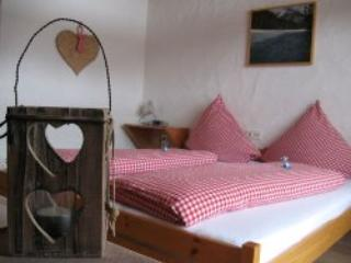 LLAG Luxury Vacation Apartment in Mieming - 323 sqft, quiet, comfortable, sunny (# 4637) - Arzl im Pitztal vacation rentals