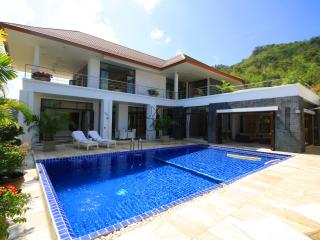 Luxury seaview 4 bedroom Villa close to the beach! - Prachuap Khiri Khan Province vacation rentals