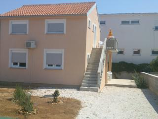 Island Vir, Zitna uvala, Apartment for rent - Molat Island vacation rentals