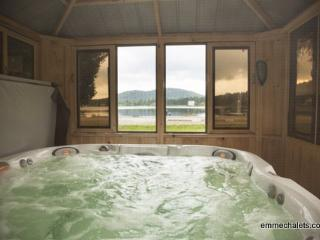 emme Chalets - Wood Chalet with hot tub, fireplace - Sainte-Lucie-des-Laurentides vacation rentals