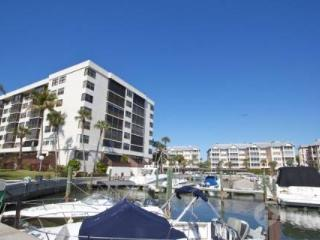 Harbor Towers Yacht & Racquet Club, Unit 203 (2 Week Minimum Stay) Siesta Key Boaters Getaway - Florida South Central Gulf Coast vacation rentals