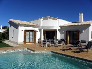 AlmaVerde Village & Spa Pinheiro on Plot 124 - Ferreira do Zezere vacation rentals