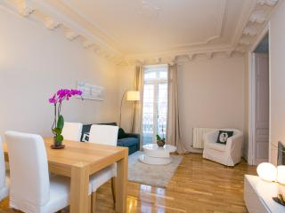 Fantastic 2 Bedroom Apartment Sagrada Familia (Eix - Catalonia vacation rentals
