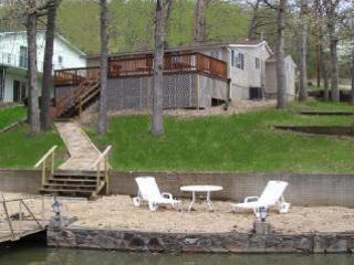 MM 11 Lake House w/Dock Sleeps 7 - No Wake Cove - Sunrise Beach vacation rentals