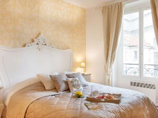 MAY DEAL * Elegant Apt * Chic Champs Elysees Are - Paris vacation rentals