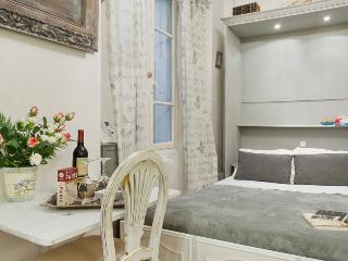 Cute Classic Studio Near Market Street, Paris - Paris vacation rentals