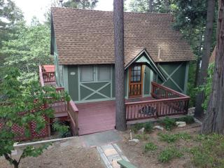 Cozy Cottage/Lake Arrowhead-HOT TUB! - Lake Arrowhead vacation rentals