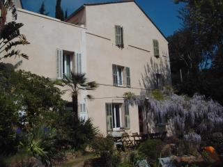 Beautiful, Pet-Friendly 4 Bedroom House by the Seaside - Carqueiranne vacation rentals